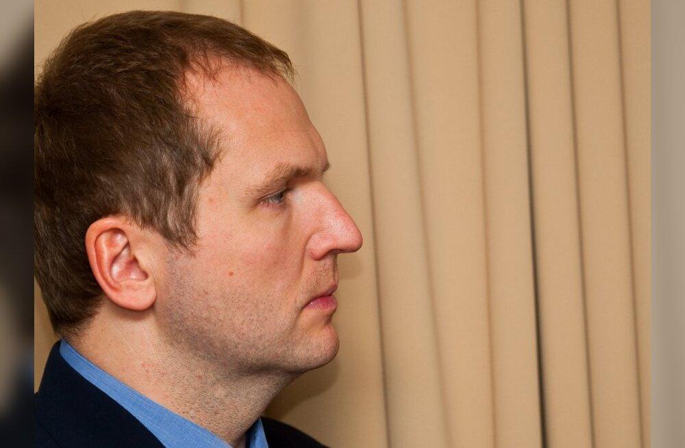 Anders Tsahkna astub mitmes kuriteos süüdistatuna kohtu ette
