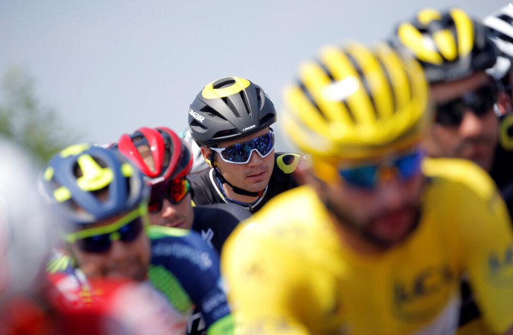 VIDEO | Hulljulge rattur hüppas Tour de France'il üle Taaramäe grupi