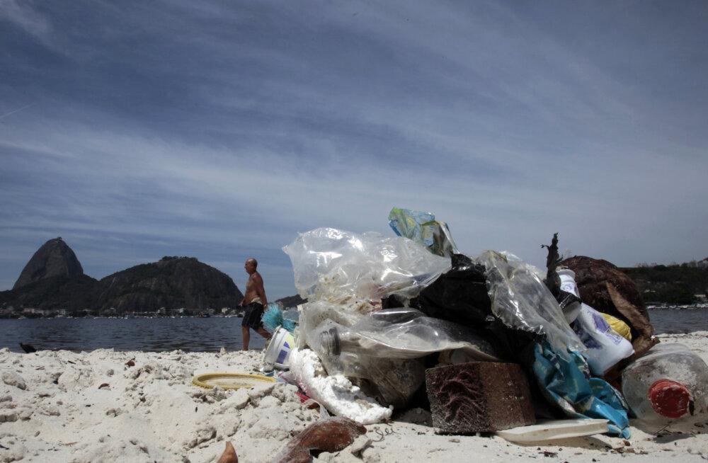 Hoovus veab tohutul hulgal plastikujäätmeid Arktikasse, kus see jääb lõksu