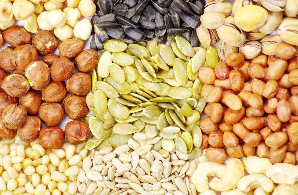 Ajule vajalikke polüküllastumata rasvu leidub rohkesti seemnetes ja pähklites.