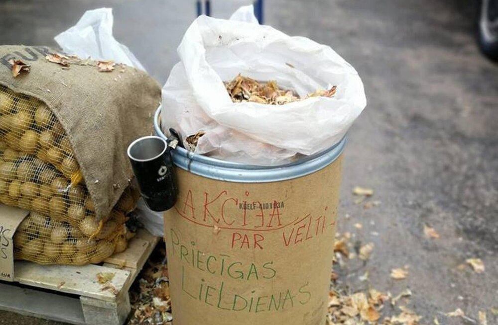 Kust saite oma sibulakoored? Lätis jagas turukaupmees kõigile koori tasuta