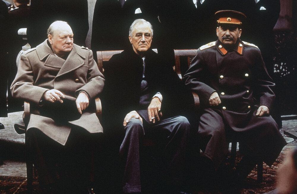 Черчилль, Рузвельт, Сталин. Классические кадры Ялтинской конференции не дают покоя нынешней российской власти.