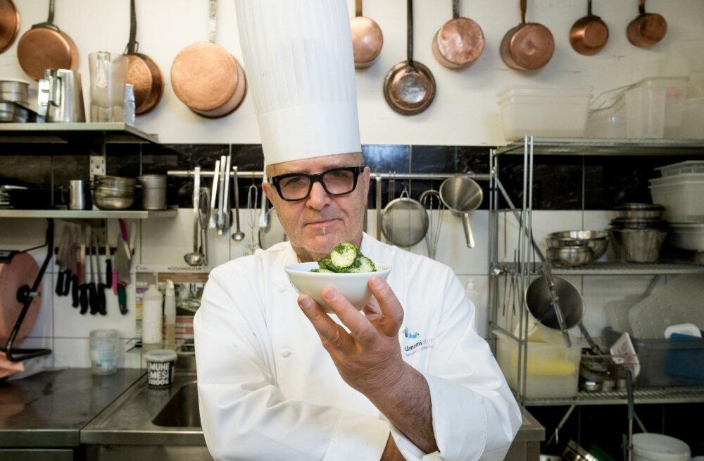Hingega tehtud toit on hea toit. Nagu need krõmpsuvad kurgidki - lihtne teha, aga viivad keele alla, kiidab kuulus kokk Dimitri Demjanov oma kurgisalatit.