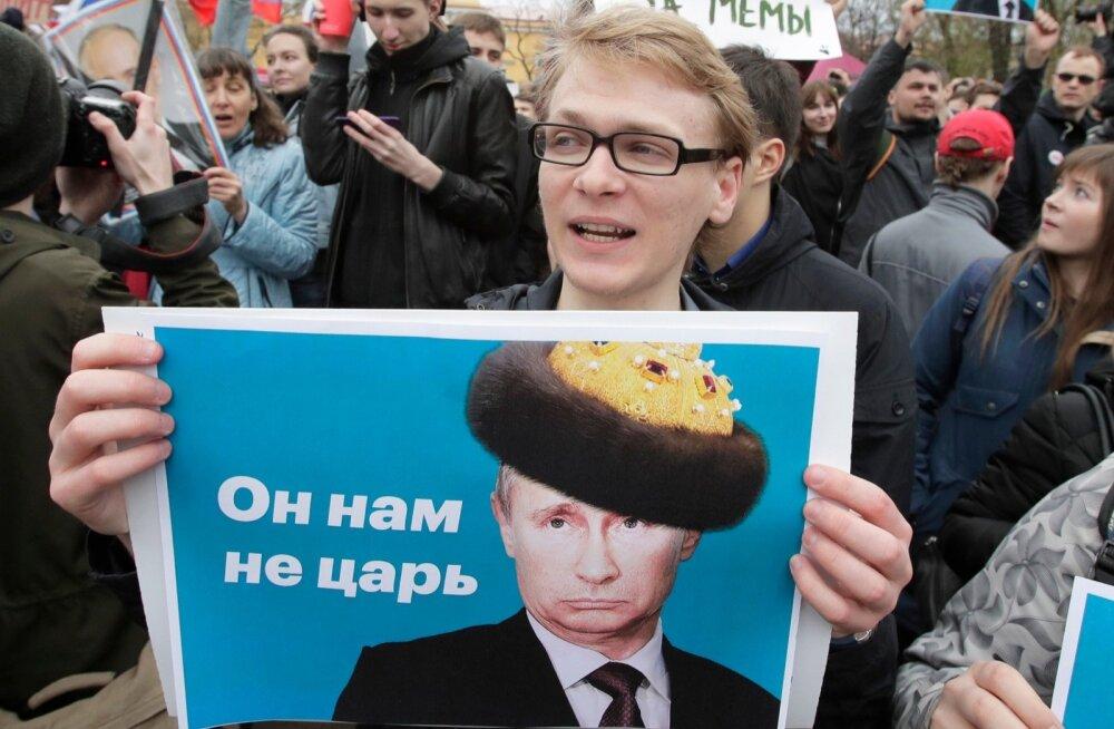 Vladimir Vladimirovitš, kas soovite olla maetud surnuaiale või lebada mausoleumis?
