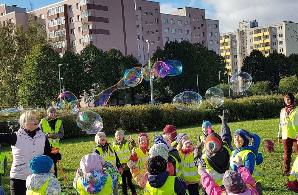 ФОТО читателя Delfi: Осенний квест в парке Кивила порадовал детсадовцев