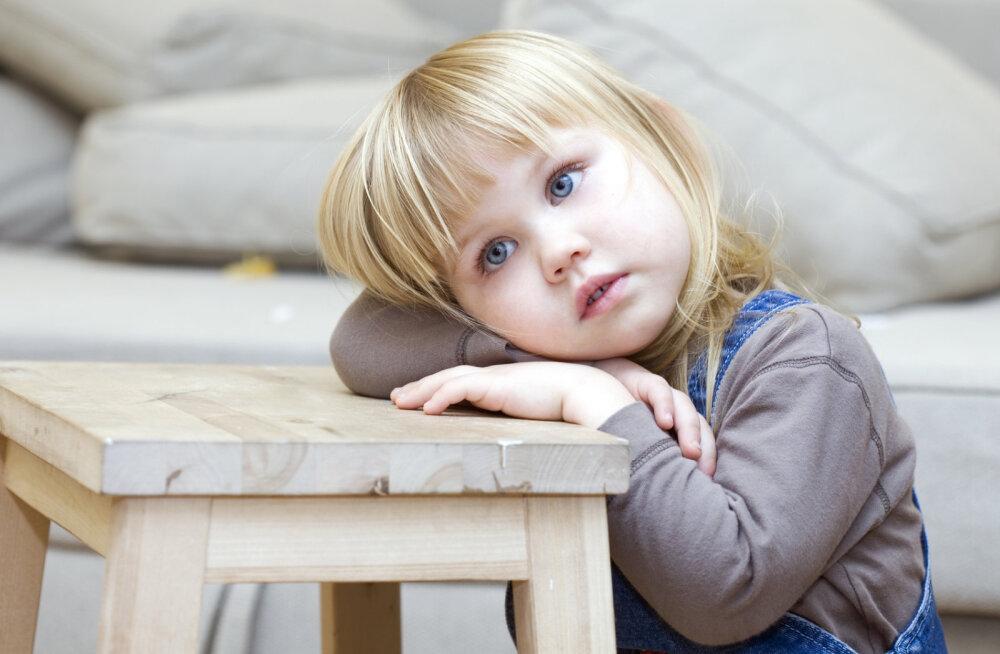 """Emaks olemise kunst IV: Rongaemad ei lase oma lastel """"armastuse patareisid"""" täis laadida"""
