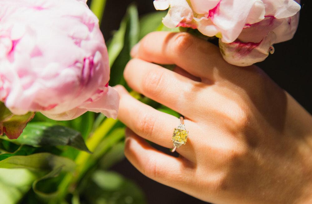 В Таллинне открылся ювелирный салон с самыми крупными бриллиантами в Эстонии