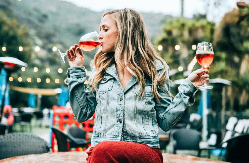Mõtled, kas alkohol on kahjustanud su tervist? Need on viis vereanalüüsi, mis aitavad seda välja selgitada