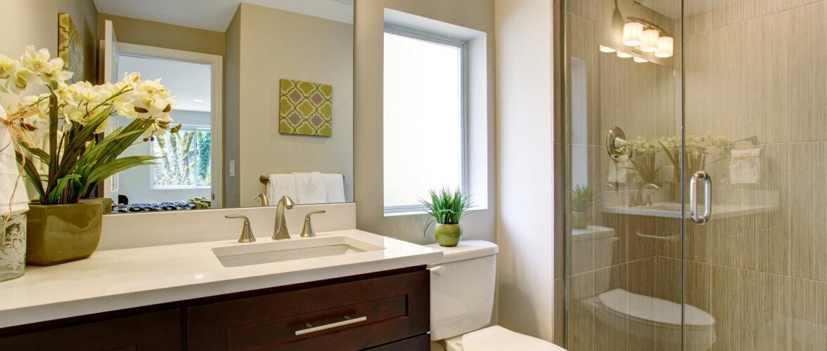 Neid kolme asja peaksid silmas pidama, kui soovid väikest vannituba ruumikamaks muuta