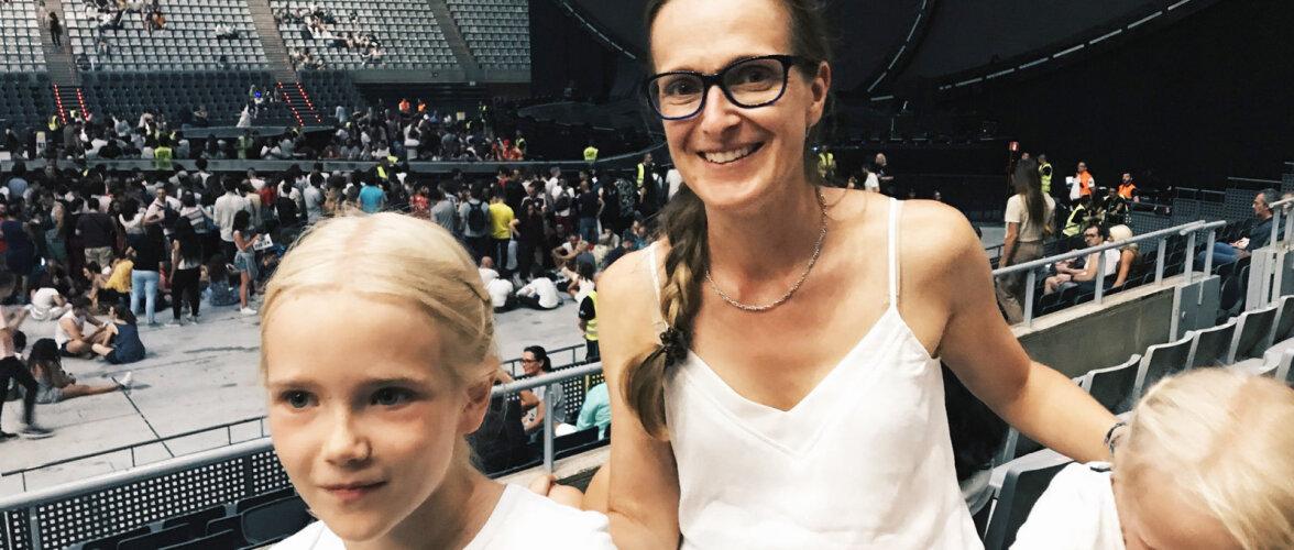 Elis Aunaste luiskas oma tütardele silmagi pilgutamata ja viis nad seejärel Barcelonasse Katy Perry kontserdile