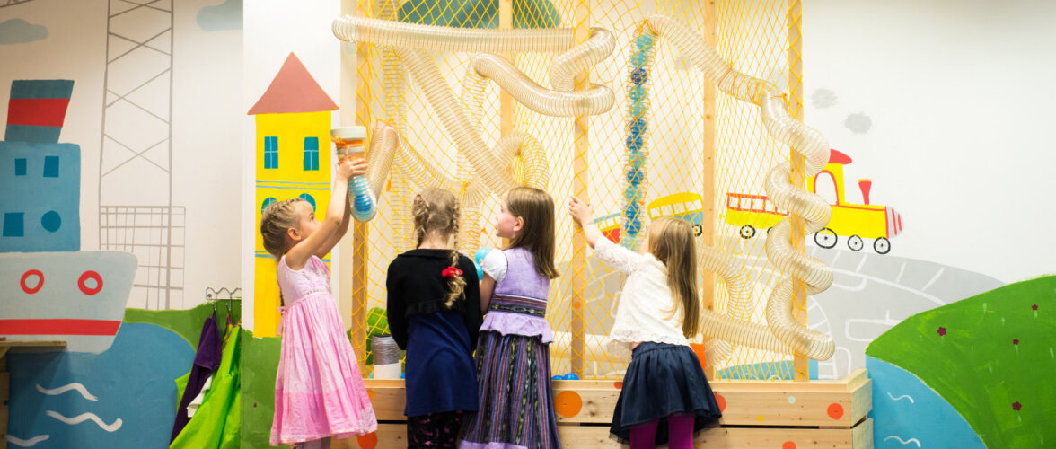 Kuidas saad kindel olla, et sinu lapsega mängutoa sünnipäeval midagi ei juhtu? Ei saagi! Vaata fotodelt, missugused ohud ähvardavad lapsi mängutubades