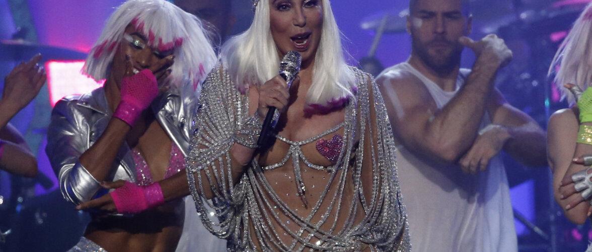 VAU! Ilus ka vanas eas! 72-aastane Cher hoiab imehead vormi ja prinki tagumikku lihtsate viisidega
