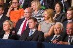 Esimese vooru häälte ettelugemine. Allar Jõksi ja tema kaaslase Heidi Vilu näost peegeldus enesekindlus ja rõõm, peaminister Taavi Rõivase omast aga rahulolematus ja mure.