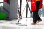 Tualette koristav töötaja: kasutan mingit kemikaali, mis võtab silmast vee välja - kas see on normaalne?