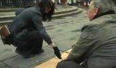 Südamlik VIDEO: Sõnade jõud on hindamatu! Vaata, kuidas naine aitab liigutava žesti abil pimedat meest