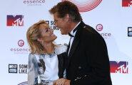 Kolmandat korda altari ette: David Hasselhoff kihlus endast pea 30 aastat noorema supermodelliga