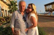 ФОТО: 50-летняя жена Резника показала фигуру в бикини