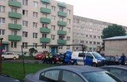 ФОТО: В Палдиски алководитель набросился на полицейских, одного из них увезли на скорой