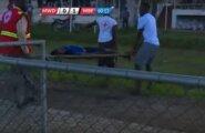 VIDEO: Tragöödia Tansaanias: noor jalgpallur kukkus väljakul kokku ja suri