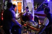 Kiirabi viib ära üht vigastatut enam kui paarisajast.