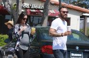 Abikaasast lahku läinud Megan Fox naudib ootusaega: ma armastan rasedust