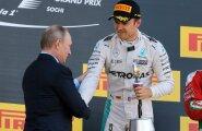 President Vladimir Putinil oli au Nico Rosbergi kätt suruda.