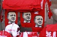 Lugejakiri: pimedus Türgi kohal