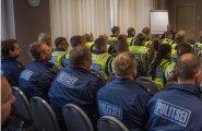 Sisekaitseakadeemia politseikadetid ja Lõuna prefektuuri politseinikud läbisid Tallinna südalinnas esmase instruktaazi, kust nad liiguvad edasi oma objektile. Seal on nende ülesanne perimeetri turvamine ja avaliku korra tagamine. Kadettide jaoks on see ää
