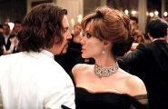 Анджелина Джоли нашла утешение в объятиях Джонни Деппа