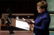 Poola peaminister Beata Szydło luges möödunud reedel parlamendi ees ette Poola põhiseadust ja kuulutas, et riik on peagi Brüsselist saabuva kirja tõttu suurde ohtu sattunud.