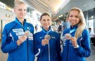 Eesti epeevehklemise naiskond Tallinna lennujaamas
