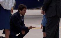 VIDEO: Täiesti tavaline kolmeaastane! Pisiprints George keeldus Kanada peaministrile patsu löömast