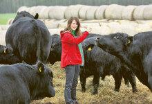 Veisekasvataja Jane M�ttik: Noortel tasub maal elada
