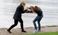 В Тарту драка между девушками из-за места за партой закончилась в травмпункте