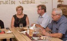 DELFI FOTOD ja VIDEOD: Endised põllumajandusministrid jätsid lookas laua taga hüvasti vana ministeeriumiga, kohal oli ka pistisevõtmises süüdi mõistetud Tuiksoo