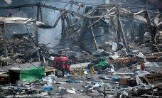 FOTOD ja VIDEO: Tianjini plahvatustsoonist päästeti tuletõrjuja, kardetakse ohtlike kemikaalide segu