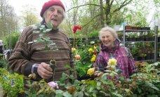 Lillelaat: reipad müüjad ja huvilised ostjad