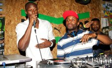 FOTOD: Usain Bolt pidutses hommikuni ja proovis ka DJ ametit