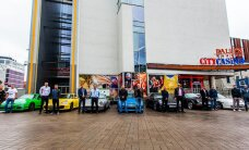 King of Kings sportlased saabusid pressikonverentsile unistuste Porschedega