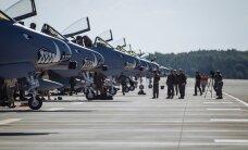 ФОТО: В Эмари приземлились восемь американских штурмовиков