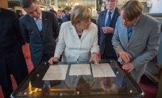 FOTOD: Suure erandina Merkeli ette toodud haruldased kirjad tekitasid visiidipäeva emotsionaalseima tipphetke