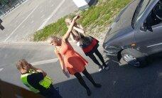 ФОТО: В Тарту столкнулись автобус и легковушка