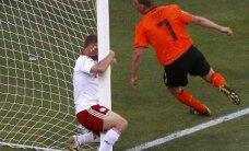 Holland võitis Taanit 2:0