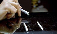 """Пить, курить или """"спайсы"""" любить? В Европе рассказали про латвийских школьников-наркоманов"""