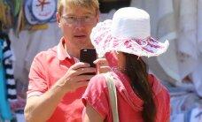PAPARATSO: Vaata, kuidas vormeliäss Mika Häkkinen kuurortlinnas täistuuridel lõõgastub