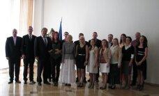 FOTOD: Noored kiitsid põllumajandust ja minister kiitis noori