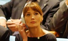 Prantsuse esileedi kuulas mehe kõnet läbi tõlkeseadme