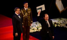 DELFI VIDEOD JA FOTOD: President andis üle 99 riiklikku teenetemärki