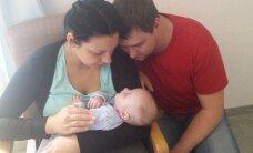 Väike David, kelle pärast vanemad seitse kuud Suurbritannia võimudega võitlesid, anti perele tagasi ja on nüüd kodus