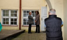 FOTOD ja VIDEOD: Dramaatiline päev Keskerakonnas - uus peasekretär otsis hindamisakti, Savisaar käis luuramas